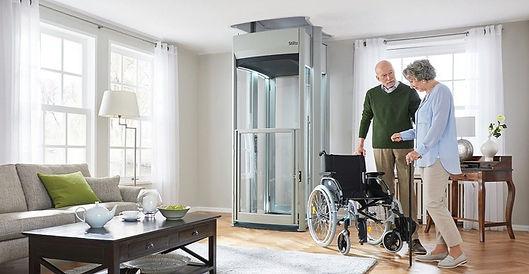 stiltz-trio-plus-home-lift-with-customer