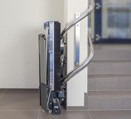 ลิฟท์บันไดสำหรับวีลแชร์ STRATOS