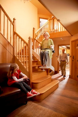 470_324_Acorn_Stairlifts_Model_80_-_Best_Stairlifts_USA