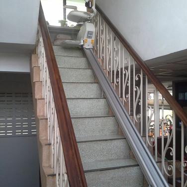 ผลงานการติดตั้ง ลิฟท์บันได 21
