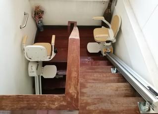 การติดตั้งลิฟท์บันไดรุ่นรางตรง The acorn 130 2 ชุด