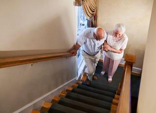 จะทำอย่างไร เมื่อผู้ใหญ่ในบ้านเริ่มเดินขึ้นบันไดไม่ไหว