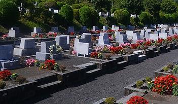 grave-1605706_1280-2.jpg