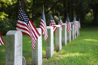 graves-2816822_1920.jpg