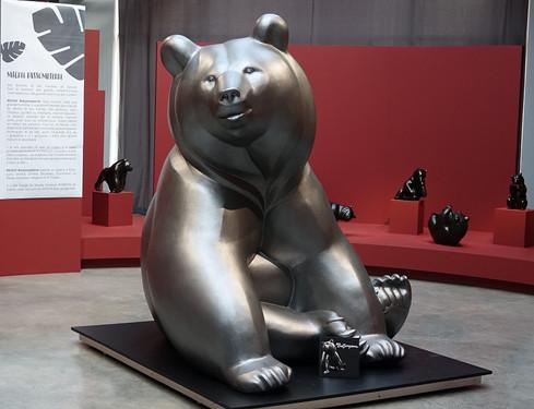 sculpture-ours-monumentale-sculpteur-ani