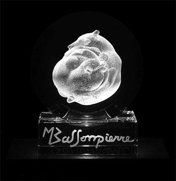 """Gravure 3D """"Le Jeu n°3"""" dans une sphère en cristal"""