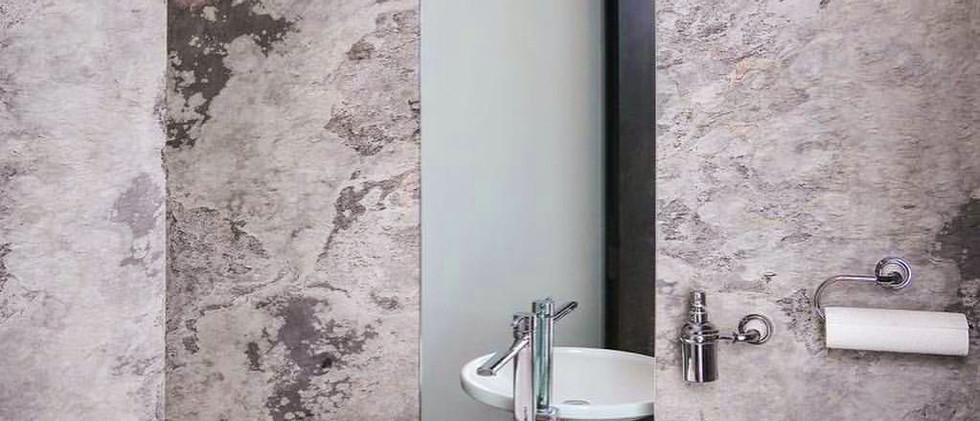 skinrock Bathroom.jpg