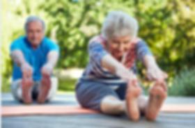 Yoga pra Terceira Idade: cada um pratica dentro dos seus limites