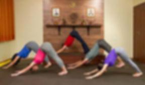 Aula-de-Yoga-Juveve.jpg