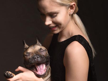 Koira mukana kuvauksissa