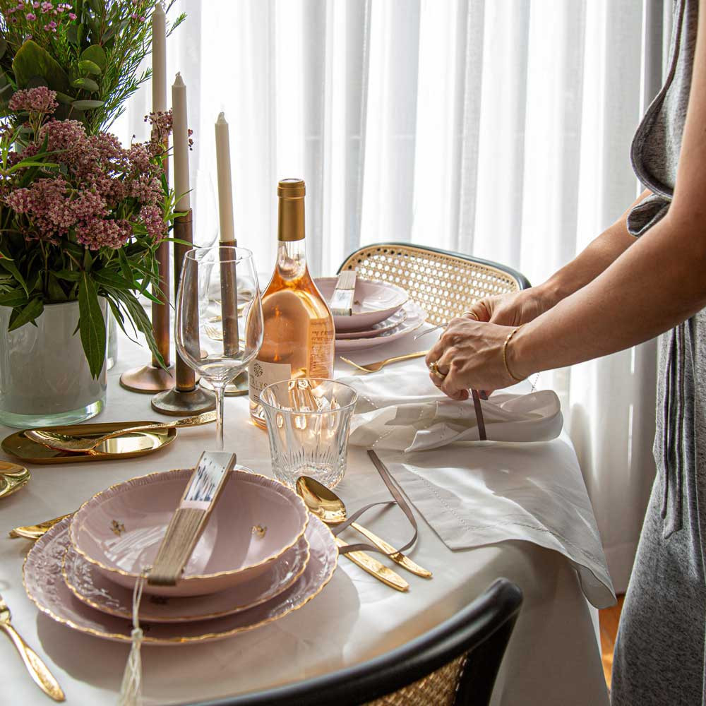 PERSONAL TOUCH FOR TABLE DESIGN HOLIDAY TABLE TIPS