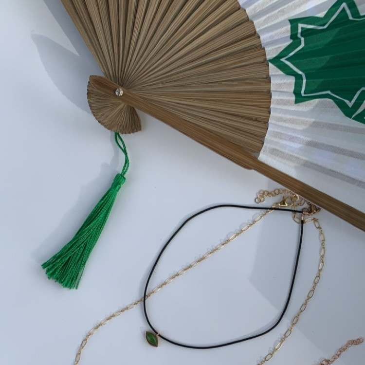 BAMBOO HAND FAN GREEN MOROCCO STAR DESIGN WITH JEWELRY מניפת יד מעוצבת בזמנה אישית