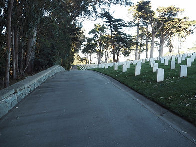 Wall to sit on to meditate in San Francisco National Cemetery