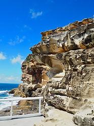 meditate at bondi to bronte trail walk cliffs