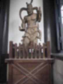 seisho-ji japanese buddhist temple tokyo guardian