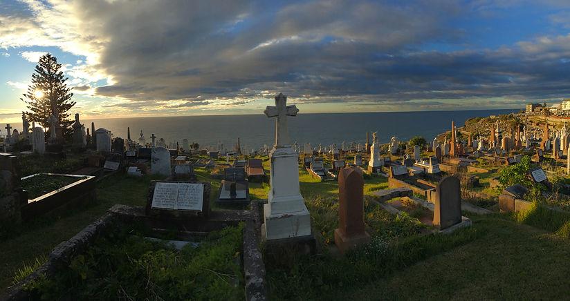 bondi to bronte walk waverly cemetery sunrise