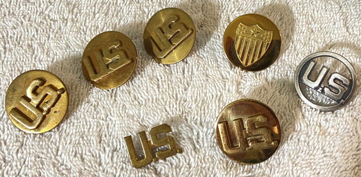 Vintage US Military Buttons