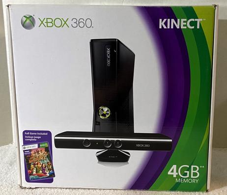 Microsoft XBOX 360 4GB Console Black Kinect Sensor