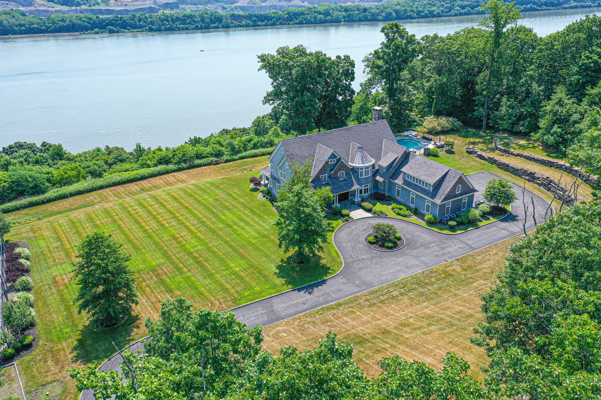 Hudson River Home