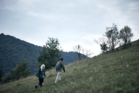 Paar beim Wander auf den Hohenstaufen