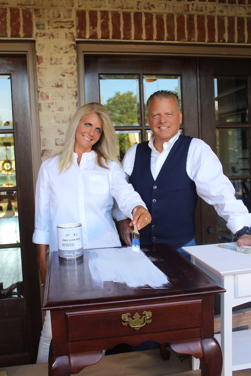 picture of Melissa Kay and Brannon Howse, hosts of Howse to House TV