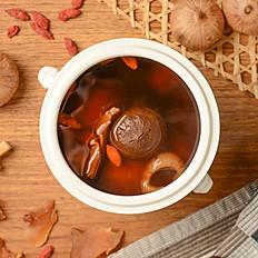 [Betterday] Double Boiled Black Garlic & Sea Conch Soup | 黑蒜螺頭燉湯