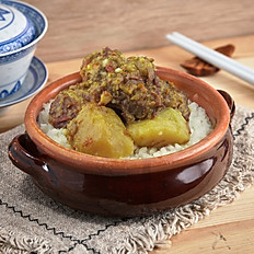 Hongkie yellow curry beef brisket rice | 港喱牛肉飯
