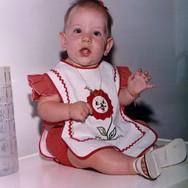 Juliana do Carmo Saraiva - 8 meses - 1978.