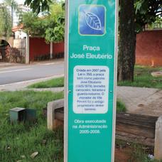 Totem na Praça José Eleutério - Parque Iracema.