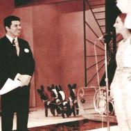 Sílvio Santos e Amália Marangoni, rainha do carnaval, no programa 'Cidade X Cidade', da TV Tupi - Canal 4, disputado com Birigui - 1968.