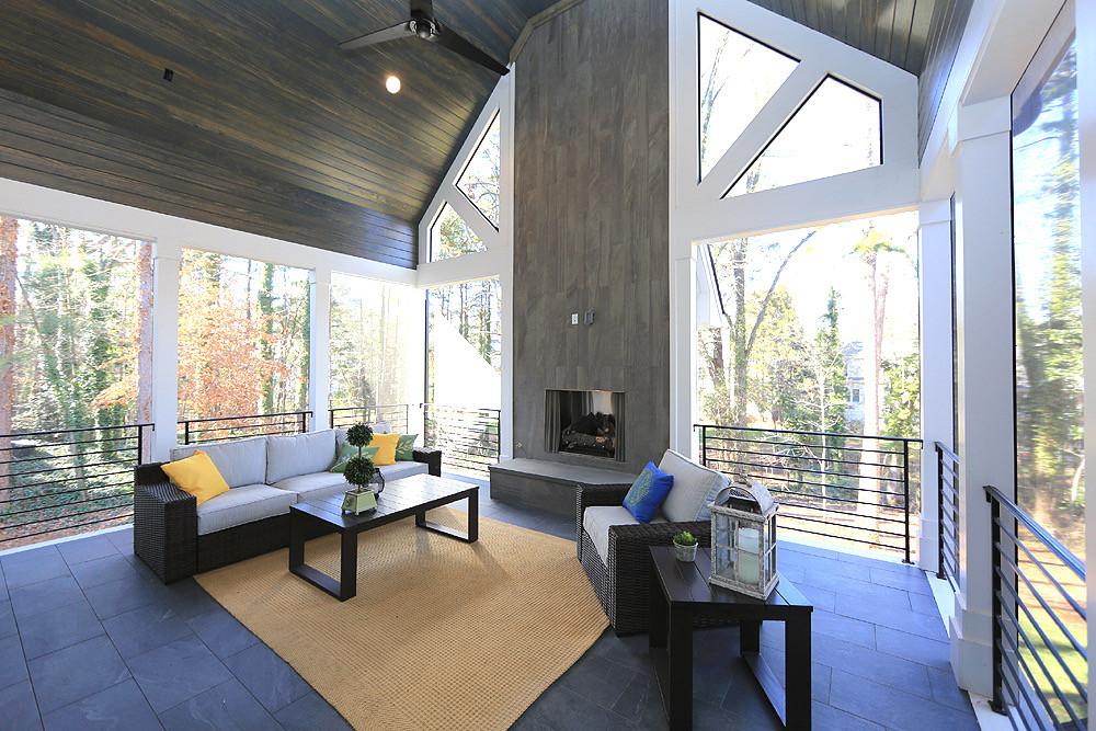 A porch to make anyone jealous!