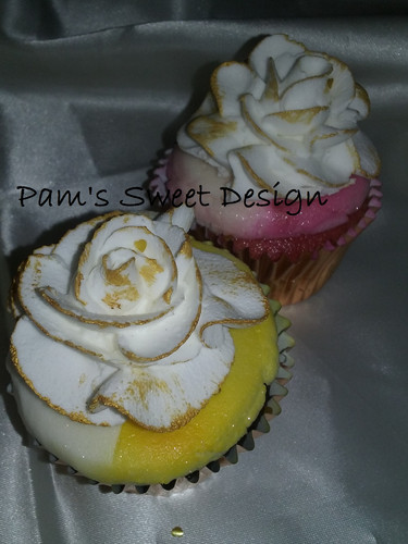 Gold tipped roses on cupcakes