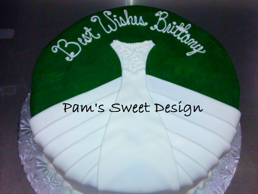 Wedding Cake Wedding Dress Dark Green Background