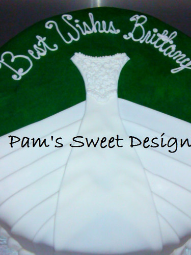 Wedding Cake: Wedding Dress, Dark Green Background