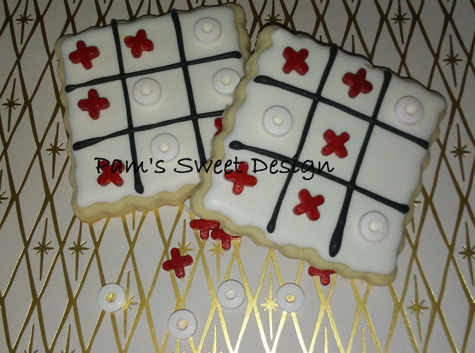 Valentine Tic Tac Toe Cookie