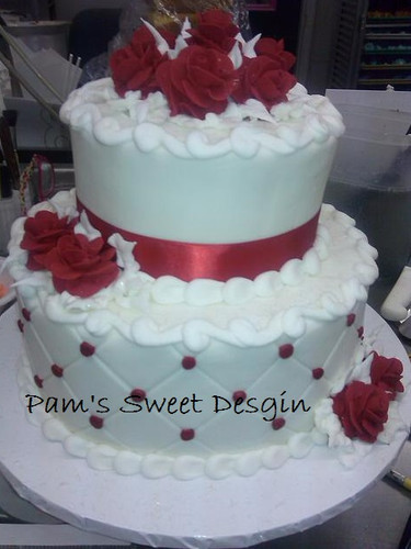 Wedding Cake: Red and white quilted with red roses