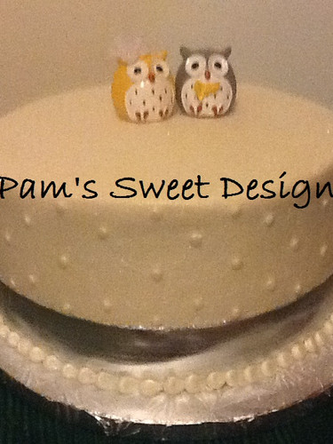 Wedding Cake: Simple Dots with silver ribbon