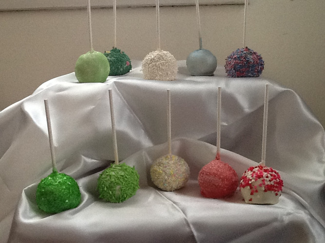 cake pops white with sprinkles..jpg