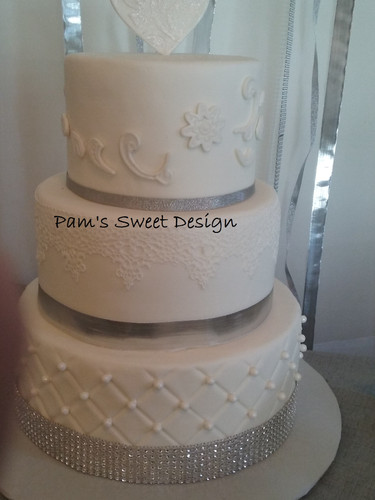 Wedding Cake: Quilted with Pearls and edible lace