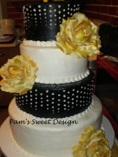 Sweet 16: White and Black with Gold Accents, white cascading dripps.