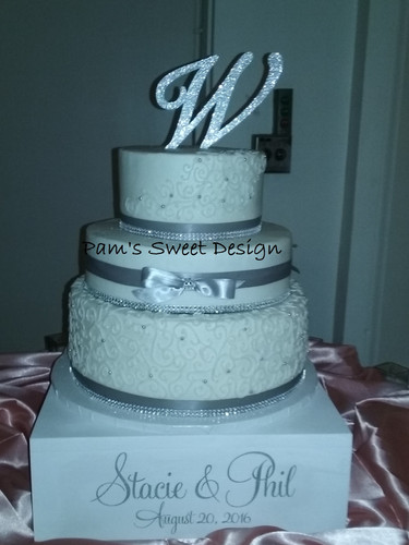 Wedding Cake: Silver and White swirl