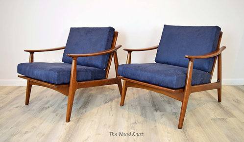 Mid Century Modern Lounge Chairs With Blue Upholstery – A Pair
