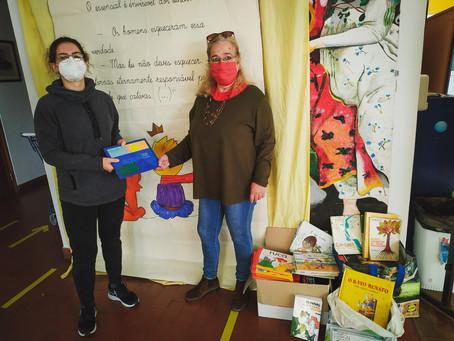 ThinkYoga faz doação de livros a Escola de Viana do Alentejo