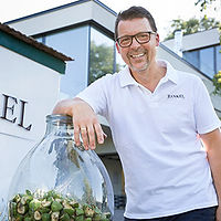 ab-hof-partner-Bernhard-Rankel-walnussli