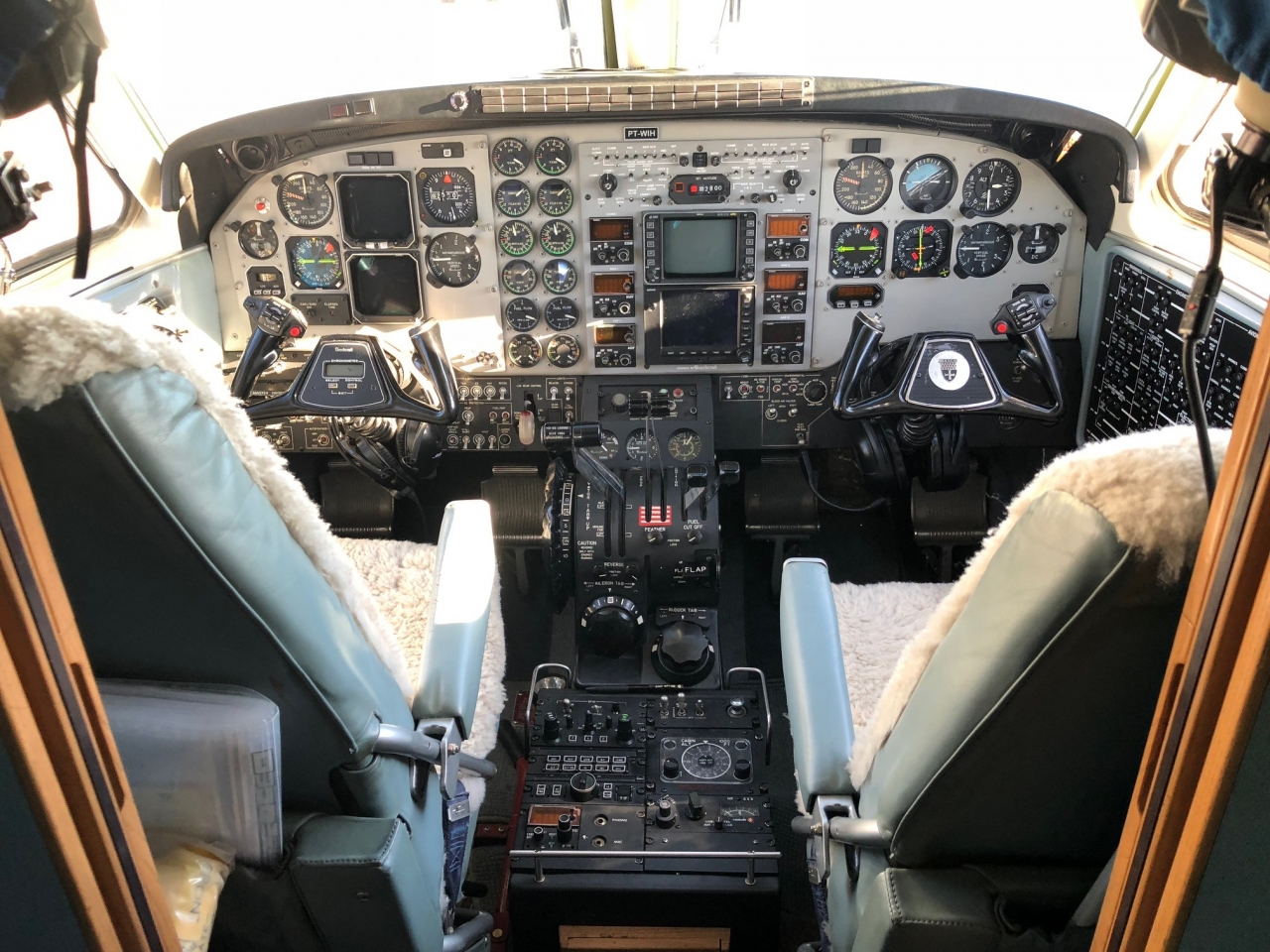 beechcraft-king-air-c90b-1995-5-venda-fl