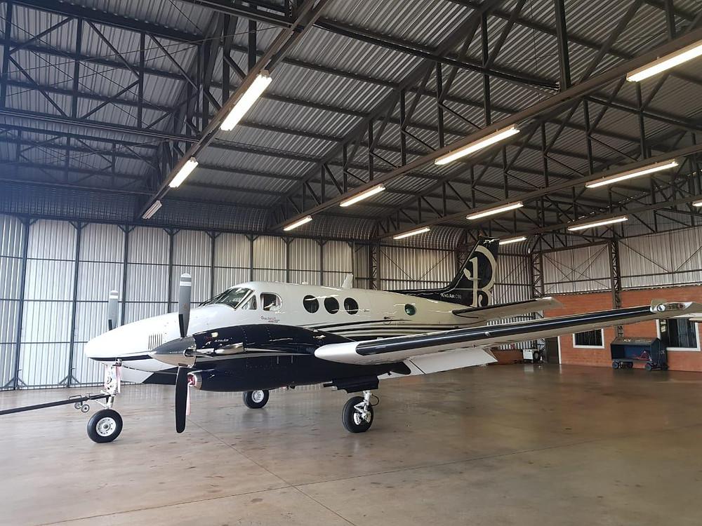 O King Air da Cresol voa em média 450km/h e tem capacidade para dois pilotos e mais seis passageiros. Primeiro voo aconteceu no domingo, dia 4 de novembro.  Crédito: Divulgação