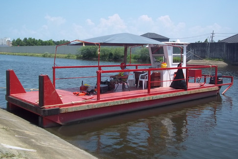 12'x30' barge with engines 1.jpg