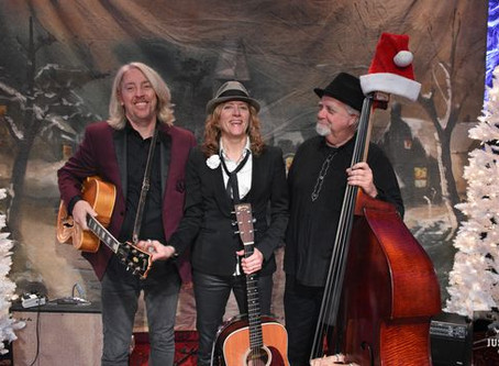 Ring in the holidays with Michelle Malone and the Hot Toddies at the Parker Ranch Gatehouse! 12/1/19