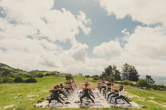 Yoga_group_01.jpg