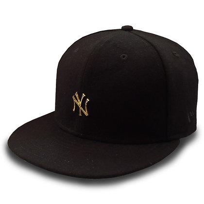 Men's New York Yankees New Era Gold Metal Logo on Wool Black 9FIFTY Snapback